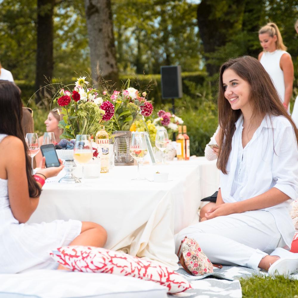 007 pernod ricard gwandhaus salzburg lillet sommer picknick white party dresscode blumen event dekoration eventstyling